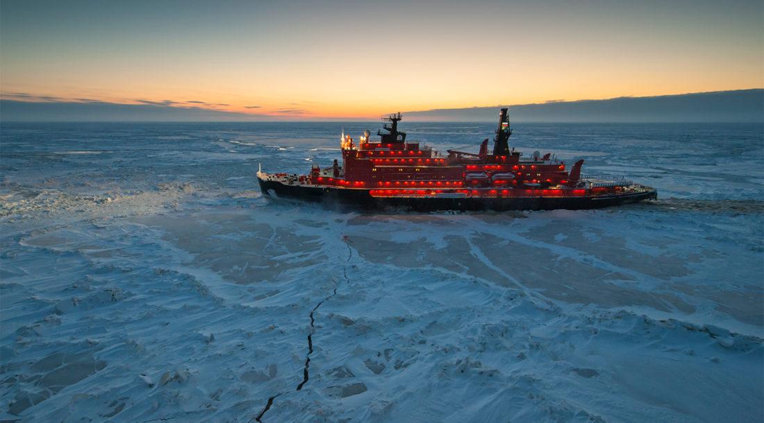 МЧС построит судно для работы в Арктике
