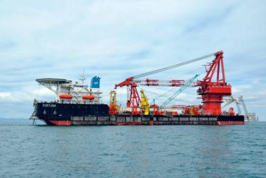 Баржа «Фортуна» возобновила строительство «Северного потока-2» в водах Дании
