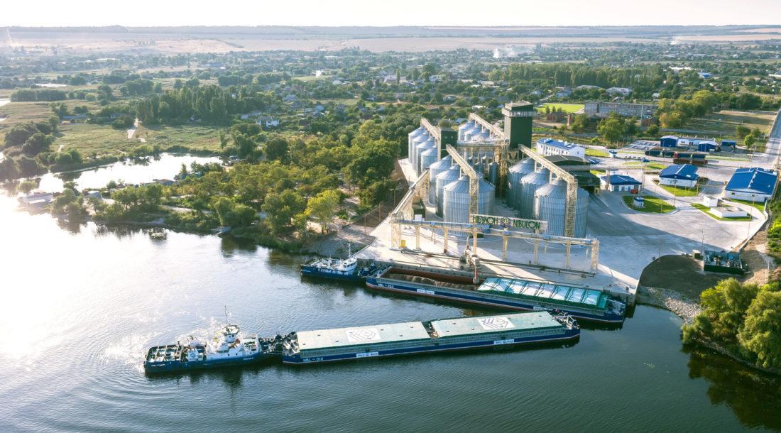«НИБУЛОН» первым открыл судоходство на Днепре в навигации 2021 года