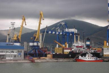 «НМТП» закупит шесть кранов грузоподъемностью 40 и 124 тонн