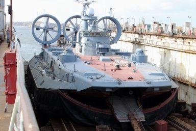 «Янтарь» провел доковый ремонт «Зубра» «Евгений Кочешков» проекта 12322