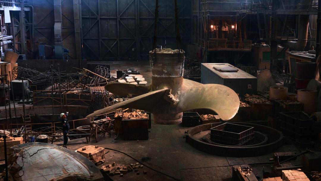 Как извлекали из формы самый большой гребной винт в истории Балтийского завода