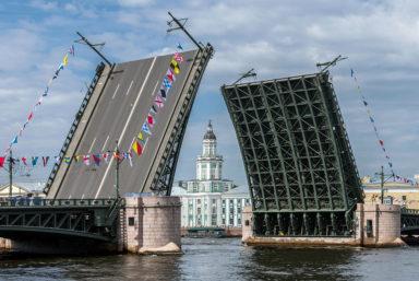 В Санкт-Петербурге открылась судоходная навигация