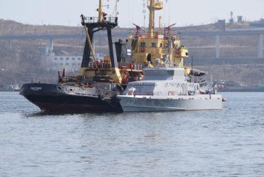 «Восточная верфь» отправила новый противодиверсионный катер «Грачонок» проекта 21980 к месту службы