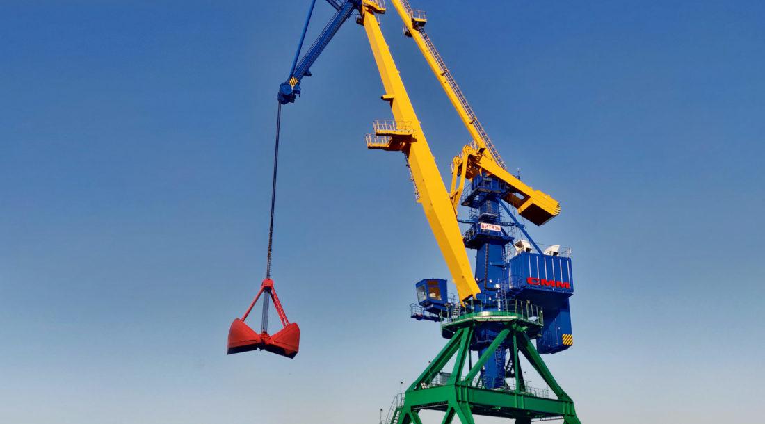 Группа компаний «СММ» поставила портальный кран «Витязь» на территорию  Находкинского МТП