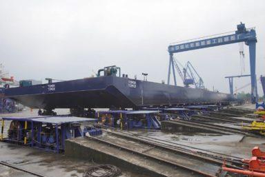 Верфь Damen Yichang спустила на воду баржу «Томск» грузоподъемностью 6000 тонн