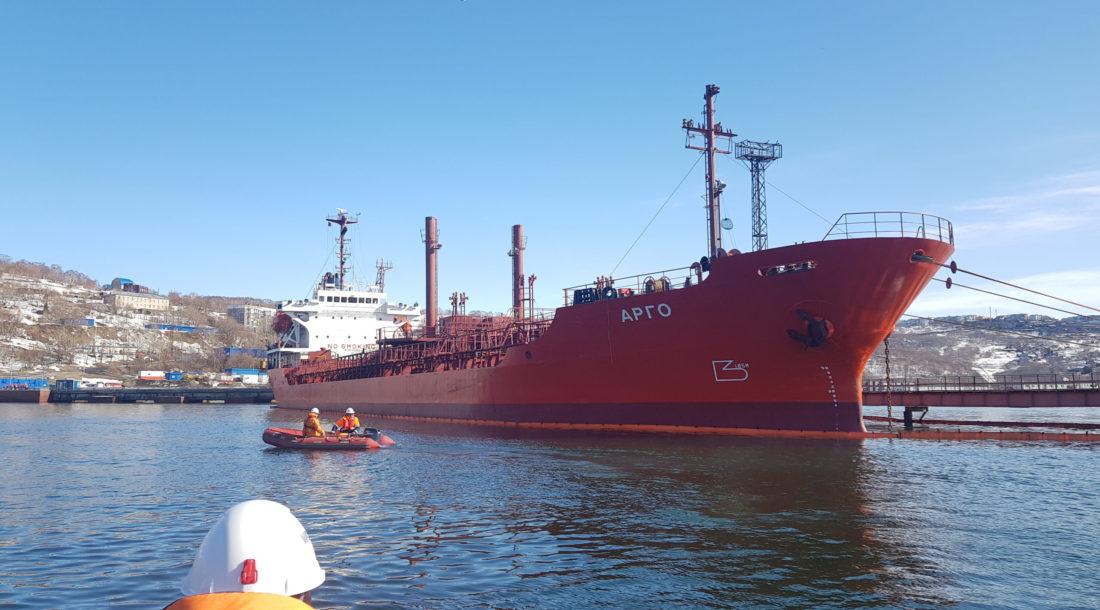 Спасатели Морспасслужбы провели тренировочные учения в порту Петропавловск-Камчатский