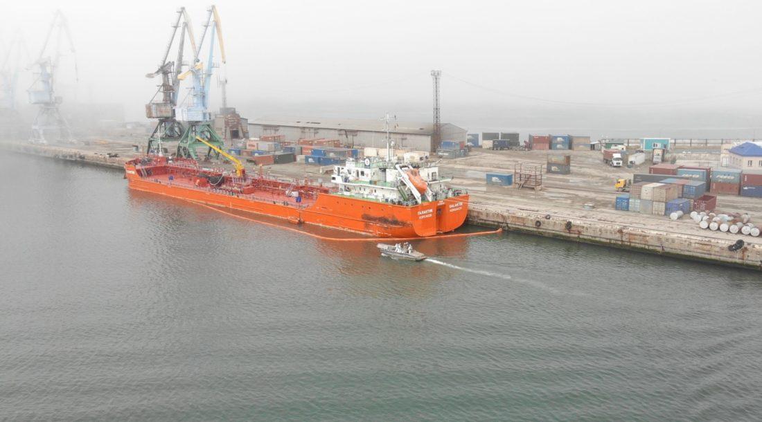 Спасатели Морспасслужбы провели учение в порту Корсаков
