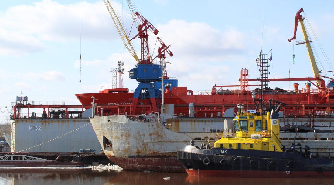 «Красная Кузница» отремонтировала сухогруз «Святитель Иннокентий» и танкер «Борис Вилькицкий»