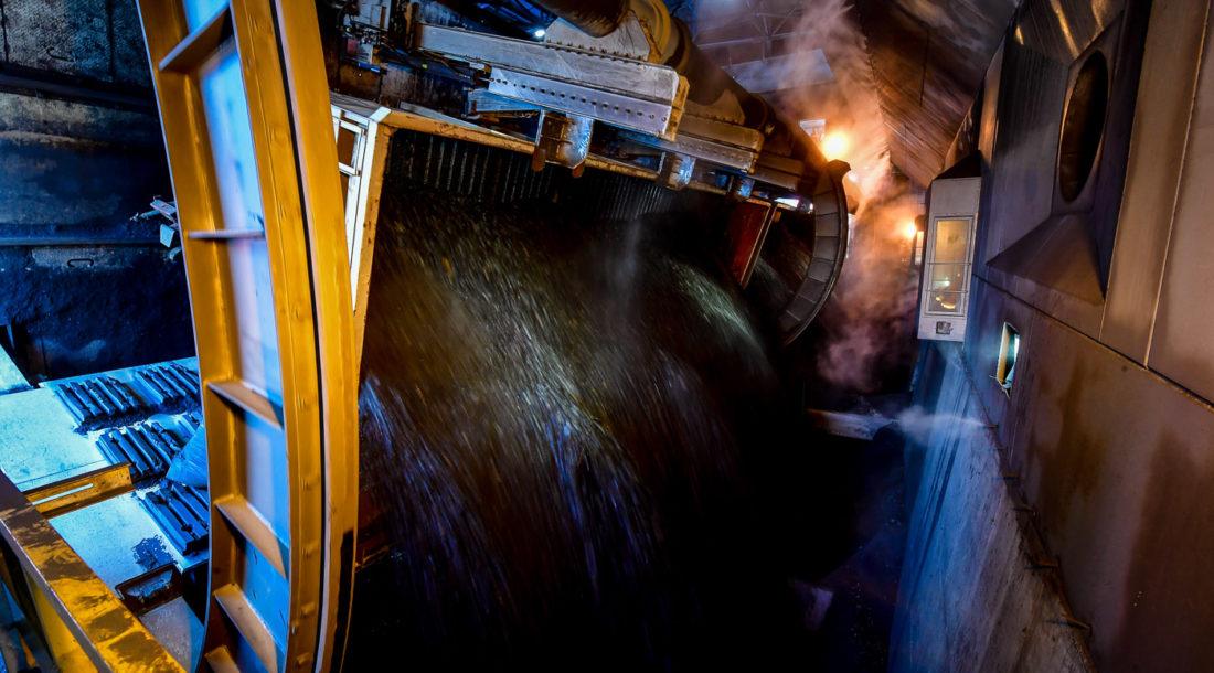 «Восточный Порт» модернизировал тандемный вагоноопрокидыватель для повышения эффективности выгрузки полувагонов