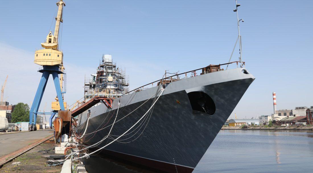 Фрегат «Адмирал Головко» проекта 22350 готовится к швартовным испытаниям