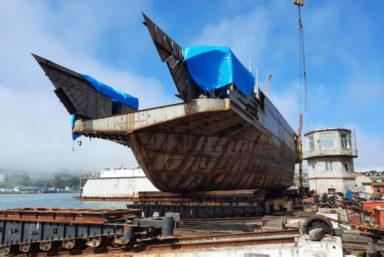 На Ливадийском РСЗ спустили на воду паром проекта 03770