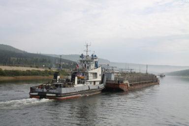 Суда «ЛОРП» начали активную работу по доставке грузов на реку Вилюй