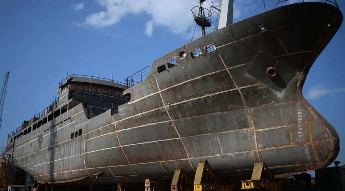 Спуск на воду краболова «Аян» проекта 03141 состоится в августе этого года