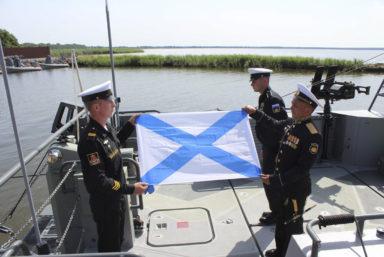 Балтийский флот пополнился двумя высокоскоростными десантными катерами проекта 02510