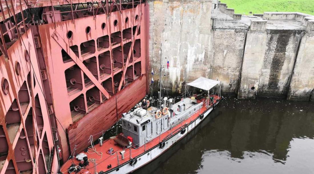 Волжский район гидротехнических сооружений «Канала имени Москвы» производит водолазные работы в штатном режиме