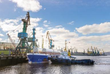 Мурманский морской торговый порт обработает 57 ветрогенераторов для Кольской ВЭС