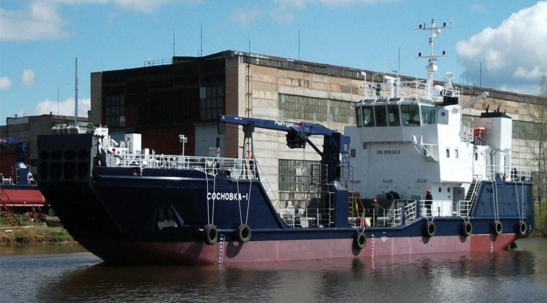 Судно «Сосновка-1» проекта DCV47 готовится к ремонту