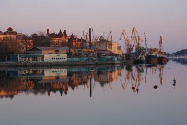 В морском порту Выборга произошла утечка нефтепродуктов