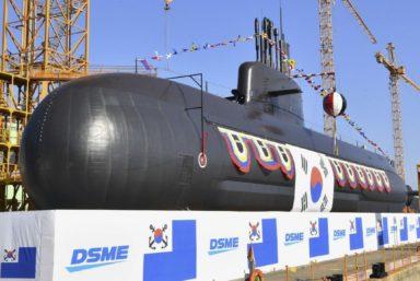 ВМС Кореи приняли на вооружение первую ракетную дизельную подводную лодку собственного производства